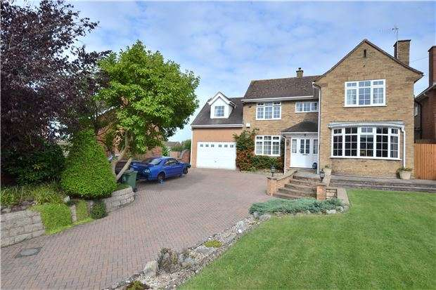 4 Bedrooms Detached House for sale in Painswick Road, Gloucester, GL4 4AG