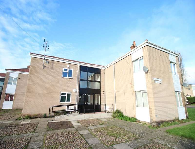 2 Bedrooms Flat for sale in Durham Road, Dunscroft, Doncaster, DN7