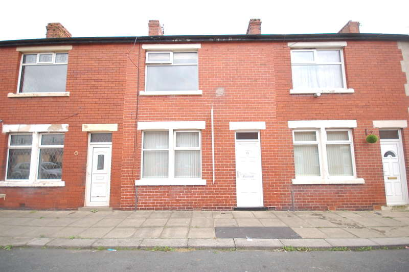 2 Bedrooms Terraced House for sale in Brook Street, Blackpool
