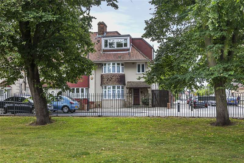 4 Bedrooms House for sale in Canberra Road, London, SE7