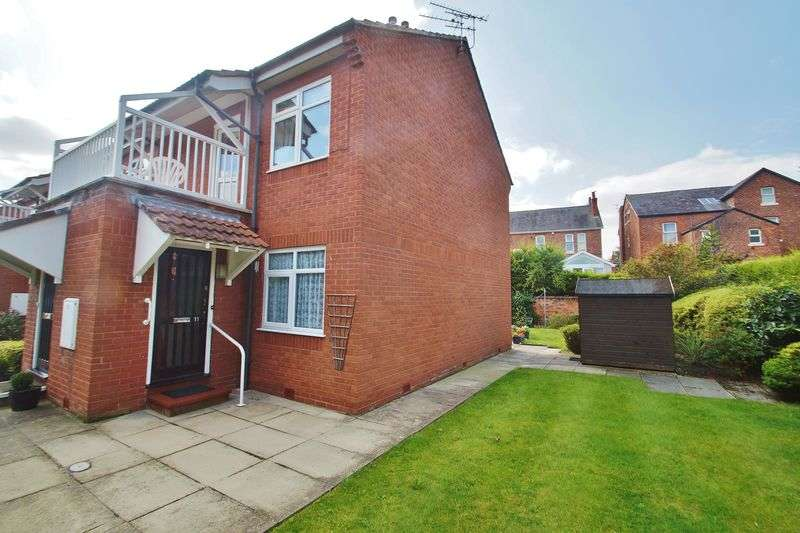 2 Bedrooms Flat for sale in Kingfisher Court, Manchester road , Southport