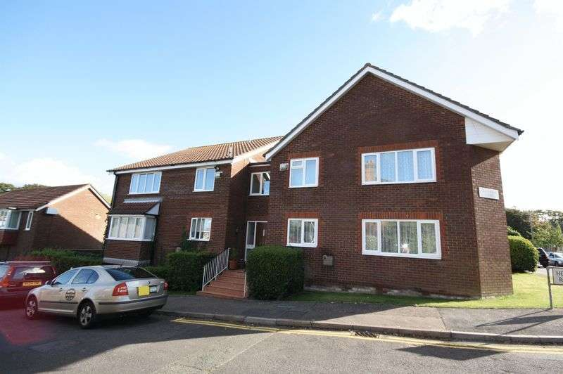 1 Bedroom Flat for sale in Holme Road, Highcliffe
