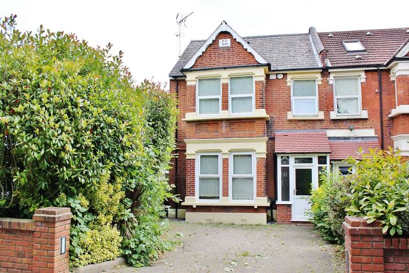 4 Bedrooms Semi Detached House for sale in Falmouth Avenue, Highams Park