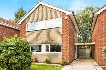 3 Bedrooms Detached House for sale in Epsom Close, Hazel Grove, Stockport, Cheshire