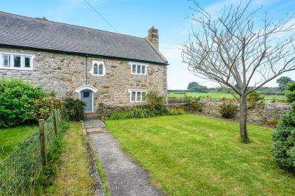 2 Bedrooms Semi Detached House for sale in Gelli Fawr, Gelli Road, Pen-Yr-Allt, Holywell, CH8