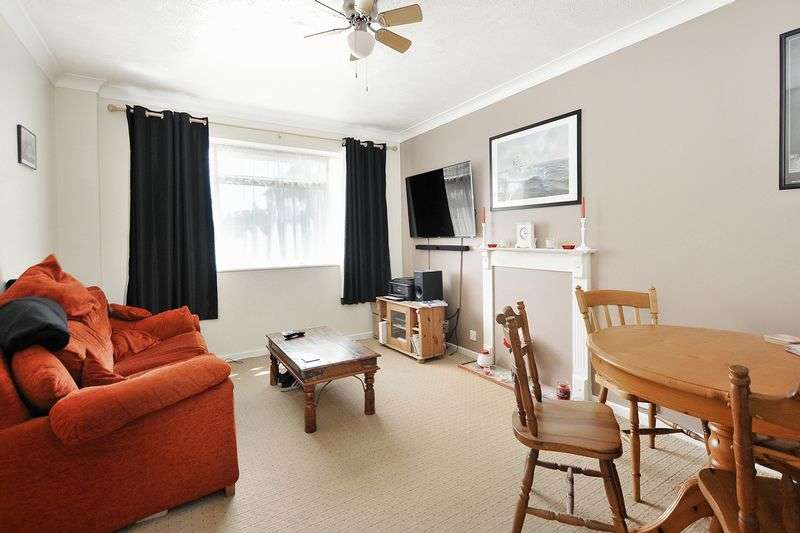1 Bedroom Flat for sale in St. Michaels Road, Worthing