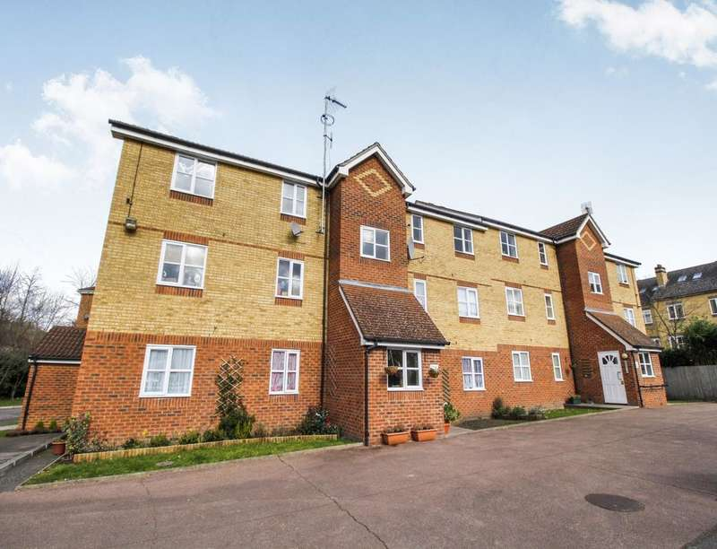 1 Bedroom Flat for sale in Woodfield Road, Thames Ditton, KT7