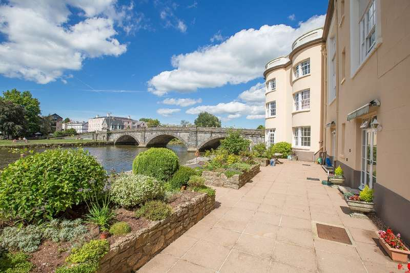 2 Bedrooms Apartment Flat for sale in 33 Seymour Court, Bridgetown, Totnes