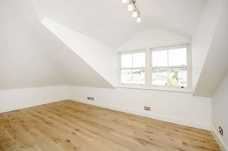 1 Bedroom Flat for sale in Tennyson Road, Mill Hill, NW7