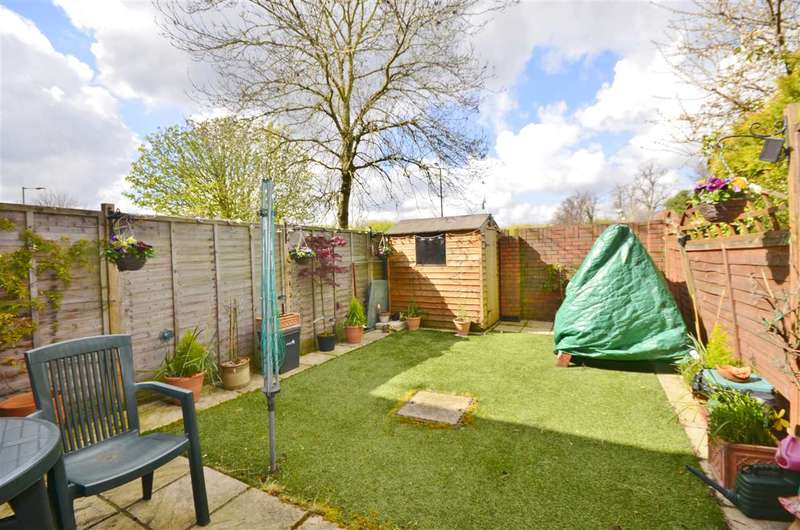 3 Bedrooms Terraced House for sale in Whitmore Close, London