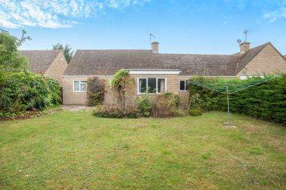 2 Bedrooms Bungalow for sale in Hays Close, Willersey, Broadway, 14 Hays Close