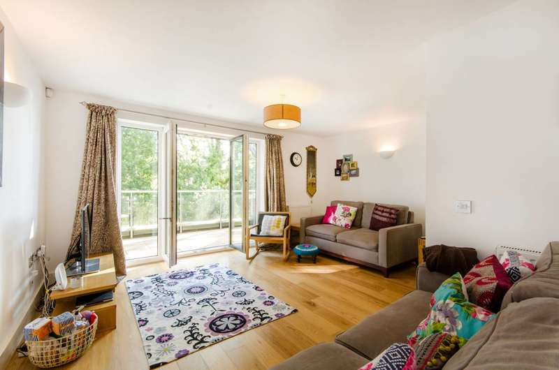 4 Bedrooms Terraced House for sale in Snowberry Close, High Barnet, EN5