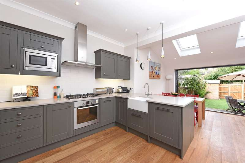 4 Bedrooms Terraced House for sale in Melrose Avenue, London, SW19