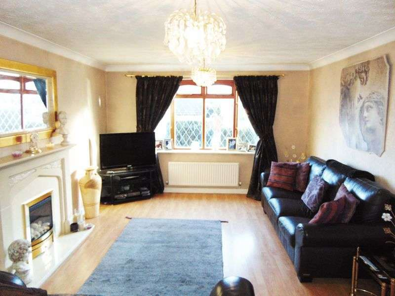 4 Bedrooms Detached House for sale in 21 Claybank Drive Tottington, BL8 4BU
