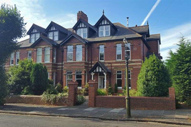 8 Bedrooms Semi Detached House for sale in Archer Road, Penarth