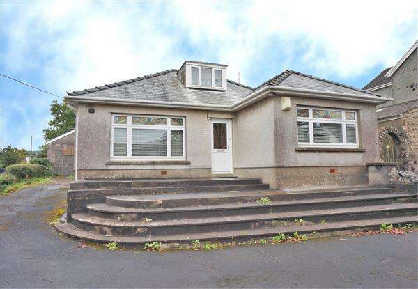 4 Bedrooms Detached Bungalow for sale in Lletty Road, TUMBLE, Llanelli