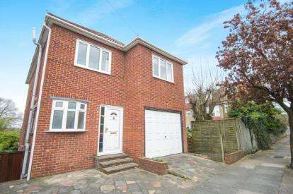 4 Bedrooms Detached House for sale in Torrington Gardens, London