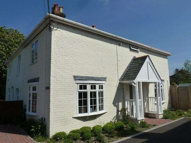 2 Bedrooms Cottage House for sale in Thaxted, Boorley Green, SO32