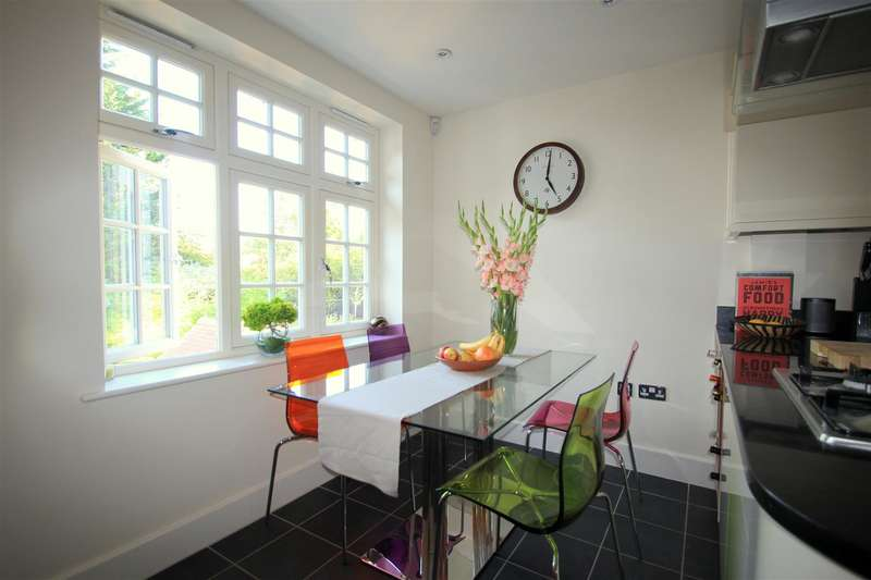 2 Bedrooms House for sale in Croydon Road, Reigate