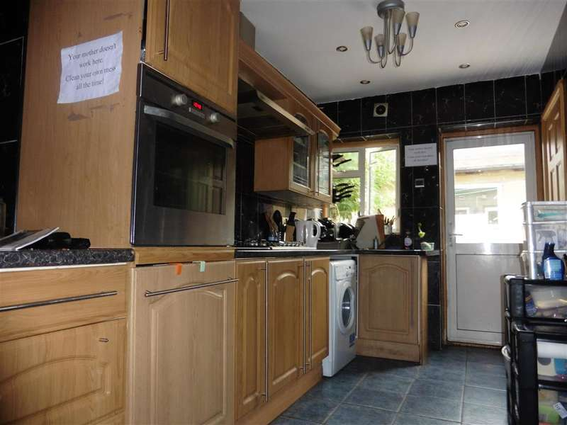 4 Bedrooms Terraced House for sale in Erskine Road, Walthamstow
