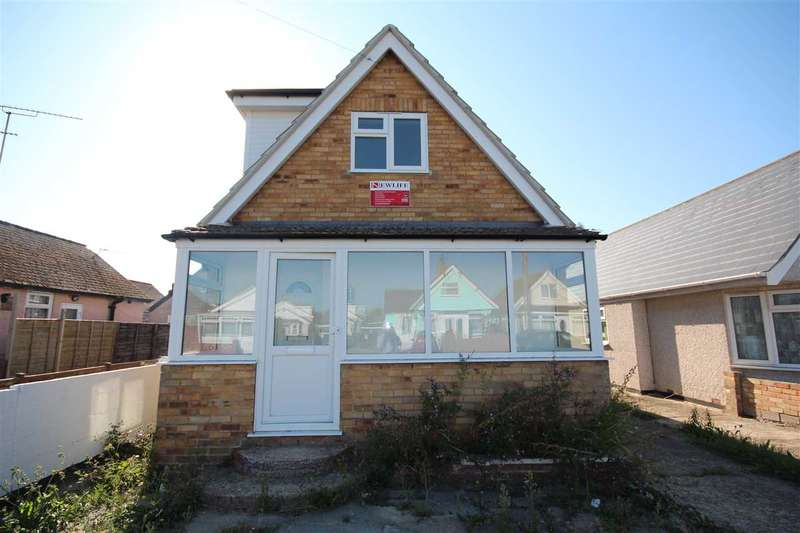 3 Bedrooms Bungalow for sale in Golf Green Road, Jaywick