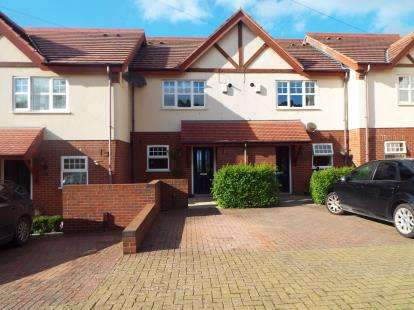2 Bedrooms Terraced House for sale in The Laurels, Queens Road, Old Colwyn, Colwyn Bay, LL29