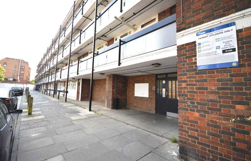 Flat for sale in Dagmar Court, Coldharbour