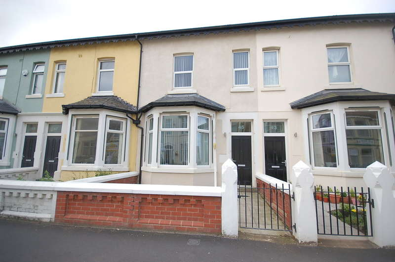 5 Bedrooms Terraced House for sale in Crystal Road, Blackpool