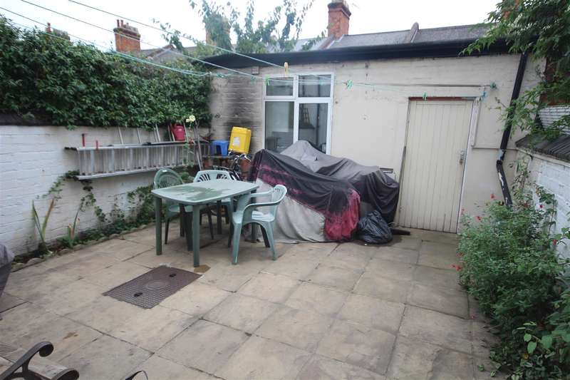 2 Bedrooms House for sale in Stephenson Street, London NW10