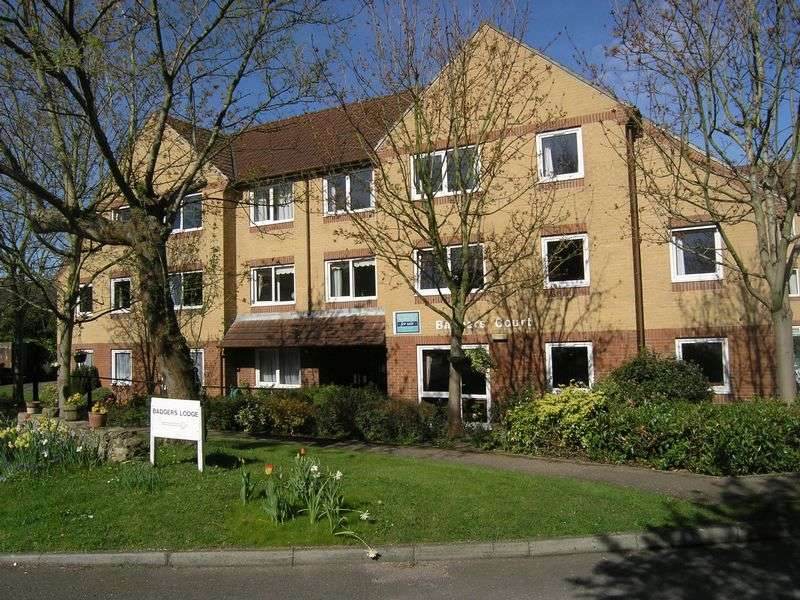 1 Bedroom Flat for sale in The Grove, Epsom