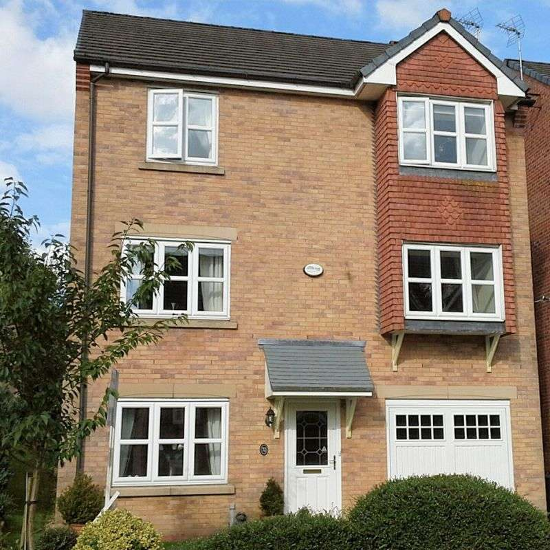 4 Bedrooms Detached House for sale in Kingsbury Close, Tottington, Bury