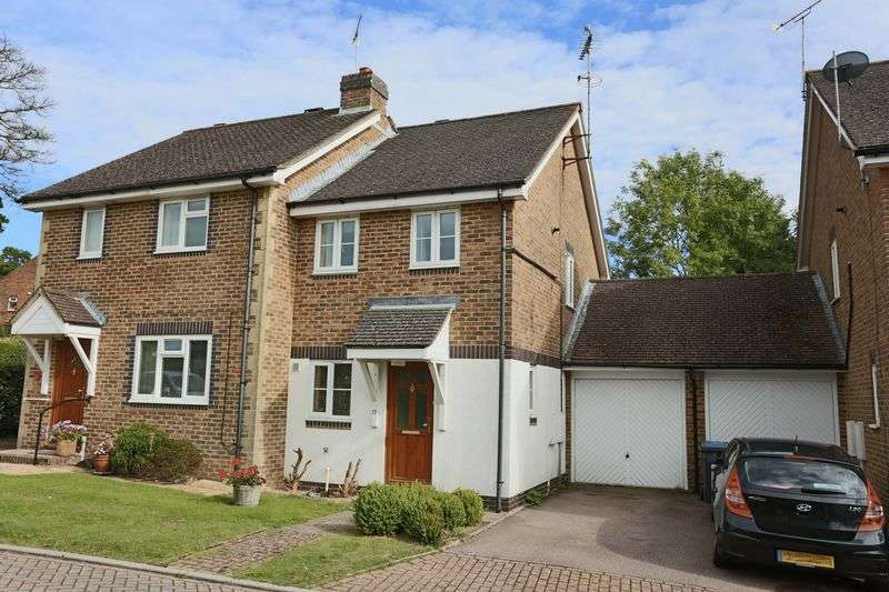 2 Bedrooms Semi Detached House for sale in Burrell Green, Cuckfield