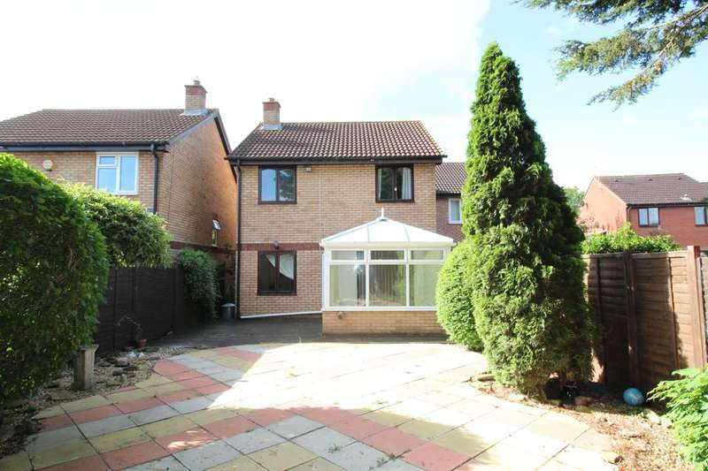 4 Bedrooms Detached House for sale in Tyne Park, Taunton, TA1