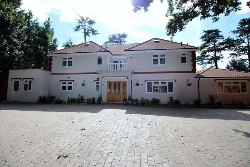 7 Bedrooms Detached House for sale in The Hatch, Windsor