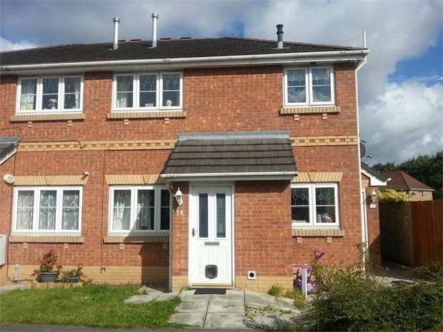 2 Bedrooms Flat for sale in Colwyn Close, Ellesmere Port, Cheshire