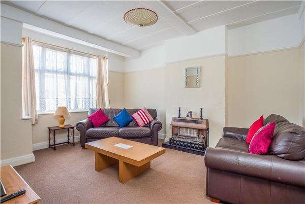 3 Bedrooms Terraced House for sale in Johns Lane, MORDEN, Surrey, SM4 6EU