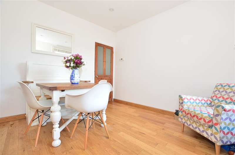 3 Bedrooms End Of Terrace House for sale in Dene Street Gardens, Dorking, Surrey