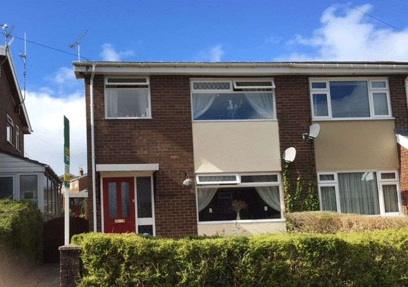3 Bedrooms Semi Detached House for sale in Heol Llewelyn, Wrexham