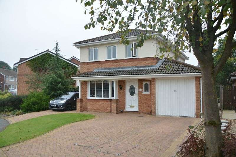 4 Bedrooms Detached House for sale in Ulverston Drive, Rishton