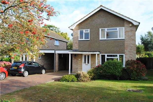 4 Bedrooms Detached House for sale in Collington Park Crescent, BEXHILL-ON-SEA, East Sussex, TN39 3RF