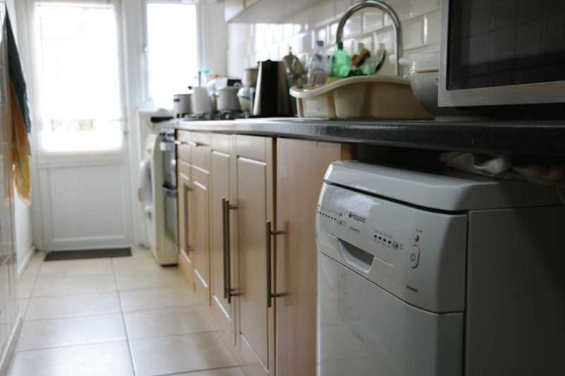 3 Bedrooms House for sale in 3 bedroom 2 reception mid terrace house on Victoria Avenue, East Ham. London. E6