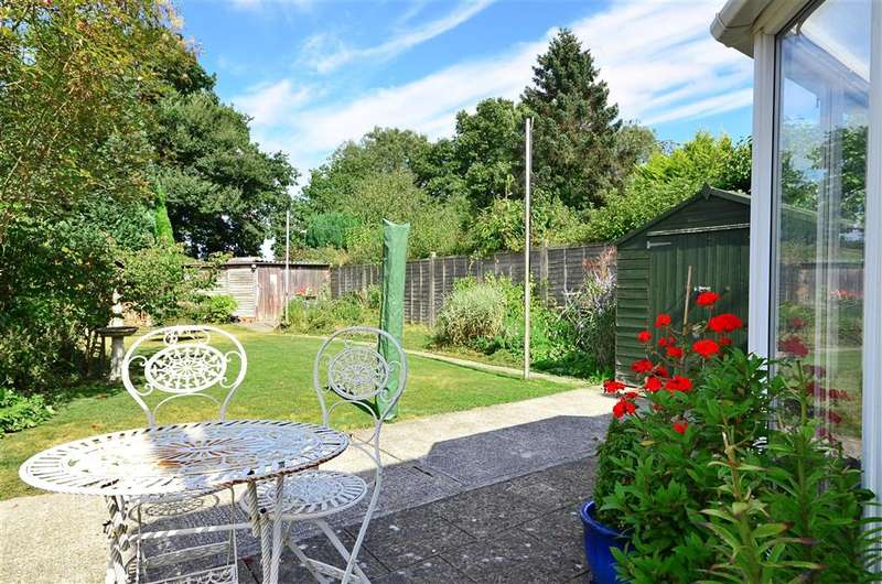 2 Bedrooms Semi Detached House for sale in Coventry Road, Tonbridge, Kent