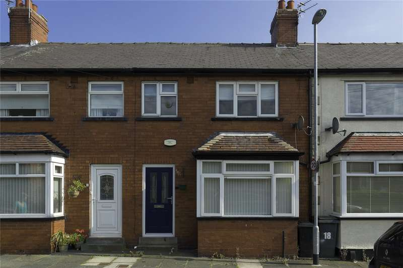 3 Bedrooms Terraced House for sale in South End Grove, Leeds, West Yorkshire, LS13