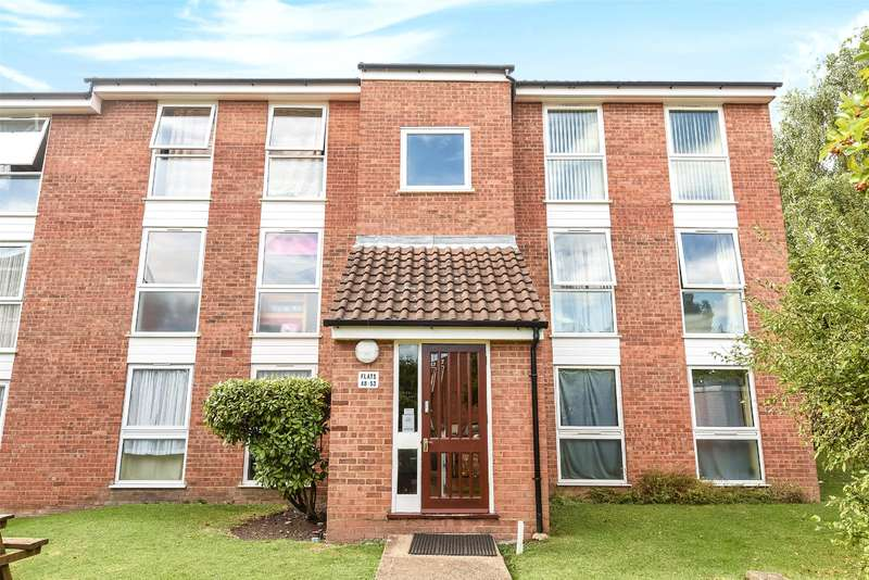 2 Bedrooms Apartment Flat for sale in Cranston Close, Ickenham, Middlesex, UB10