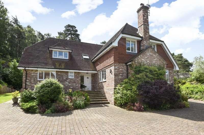 4 Bedrooms Detached House for sale in Thakeham Road, Storrington, RH20