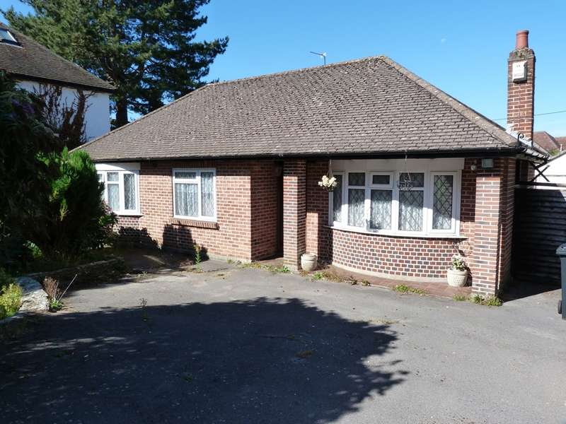 2 Bedrooms Detached Bungalow for sale in THE GROVE, WEST CHRISTCHURCH