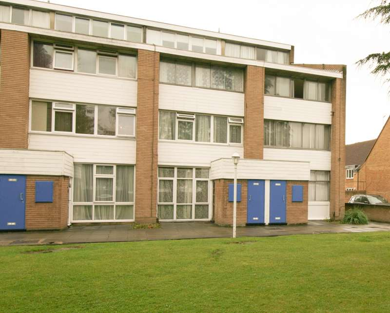 Studio Flat for sale in Slough