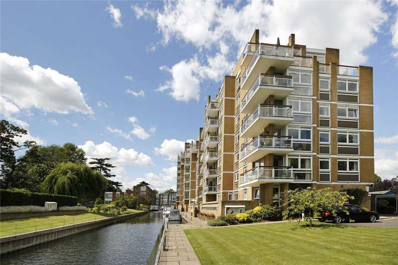 3 Bedrooms Flat for sale in Thamespoint, Fairways, Teddington, TW11