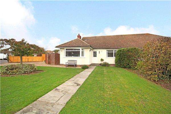 4 Bedrooms Bungalow for sale in Manor Grove, Fifield, Maidenhead