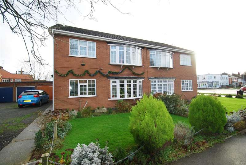 2 Bedrooms Apartment Flat for sale in Sunningdale Drive, Skegness